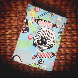 VINA05 - Ví name card handmade ruột rời họa tiết cupcake