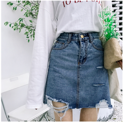 Chân váy jean ngắn rách lai