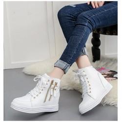 giày cổ cao khoá kéo độn trong 7p 2 màu đen trắng