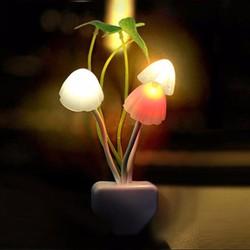 Đèn ngủ cảm ứng đổi màu hình cây nấm