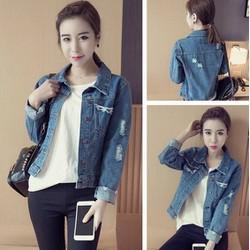 Áo khoác jeans túi rách