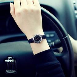 Đồng hồ đeo tay nữ thời trang