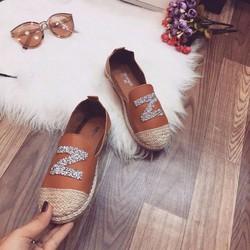 Giày bệt chữ Z