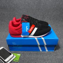 Giày sneaker nam kiểu dáng thể thao