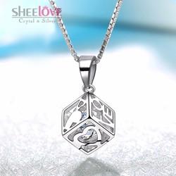 Dây chuyền khối vuông đính đá lấp lánh chữ LOVE thời trang SPN-YWY082