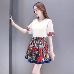 Set Áo Chân Váy Hoạ Tiết Xinh Xắn