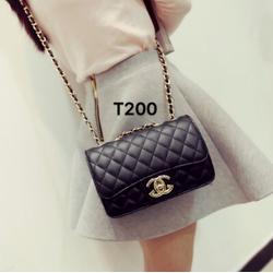 Túi xách đeo chéo logo nổi dây da phối xích vàng -T200