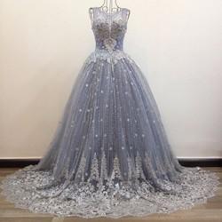 Áo cưới màu xám, xoè nhẹ tùng lót kim tuyến cổ lưới