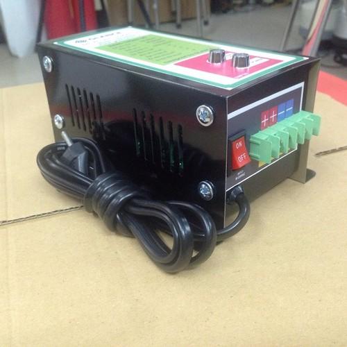 Máy sạc ắc quy tự động Glance 12V-200Ah