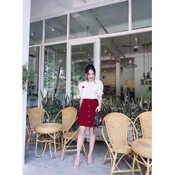 set áo trắng tay phồng và chân váy đỏ