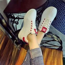 Giày bata nữ thời trang