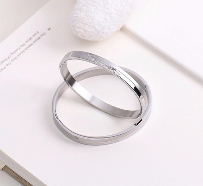 Bộ Vòng Tay Đôi Nam Nữ Endless Love Ti Tan Không Đen Cao Cấp TT 0708 2