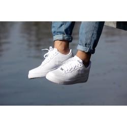 Giày thể thao màu trắng, N AF