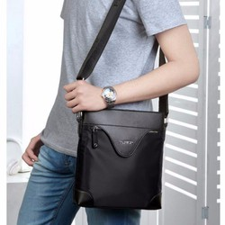 Túi đeo nam đáp da thời trang