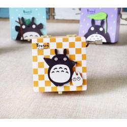 Hộp nhạc Totoro màu quay tay