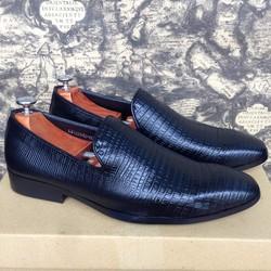 Giày tây nam xỏ kiểu vân da rắn màu đen kiểu dáng Châu Âu 1