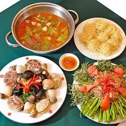Lẩu trưa cho 2 - 3 người tại Nhà hàng Xoay 360 độ Hoàng Gia