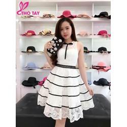 Đầm ren xòe công chúa trắng viền đen D358
