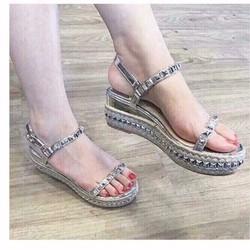 giày sandal xuồng đinh tán cao cấp