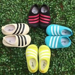 Giày bata cao su
