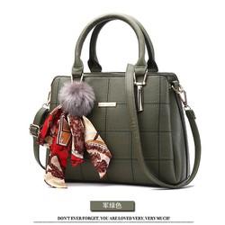 Túi xách   kiểu kèm phụ kiện hàng loại 1  có sẵn hàng nhập HK