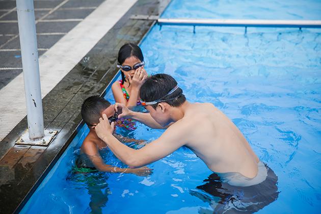 Khóa học Bơi cơ bản tại bể bơi cao cấp ngoài trời Thăng Long Number One 1