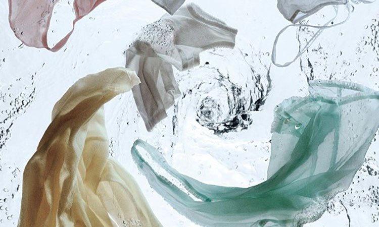 Máy giặt Aqua AQD-D980ZT (W) có tốc độ xoay vắt cực lớn