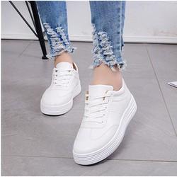 Giày nữ trắng thời trang, sang chảnh, năng động
