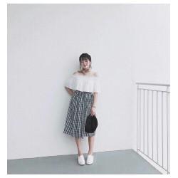 Set chân váy caro trắng đen mix áo bẹt vai trắng hot