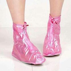 Giầy nhựa đi mưa cổ vừa bảo vệ đôi giầy thật của bạn