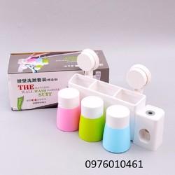 Bộ đựng bàn chải lấy kem đánh răng tự động