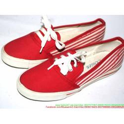 Giày xỏ nữ kẻ sọc phong cách sành điệu năng động