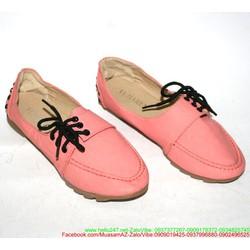 Giày xỏ nữ nạm đinh phong cách sành điệu năng động