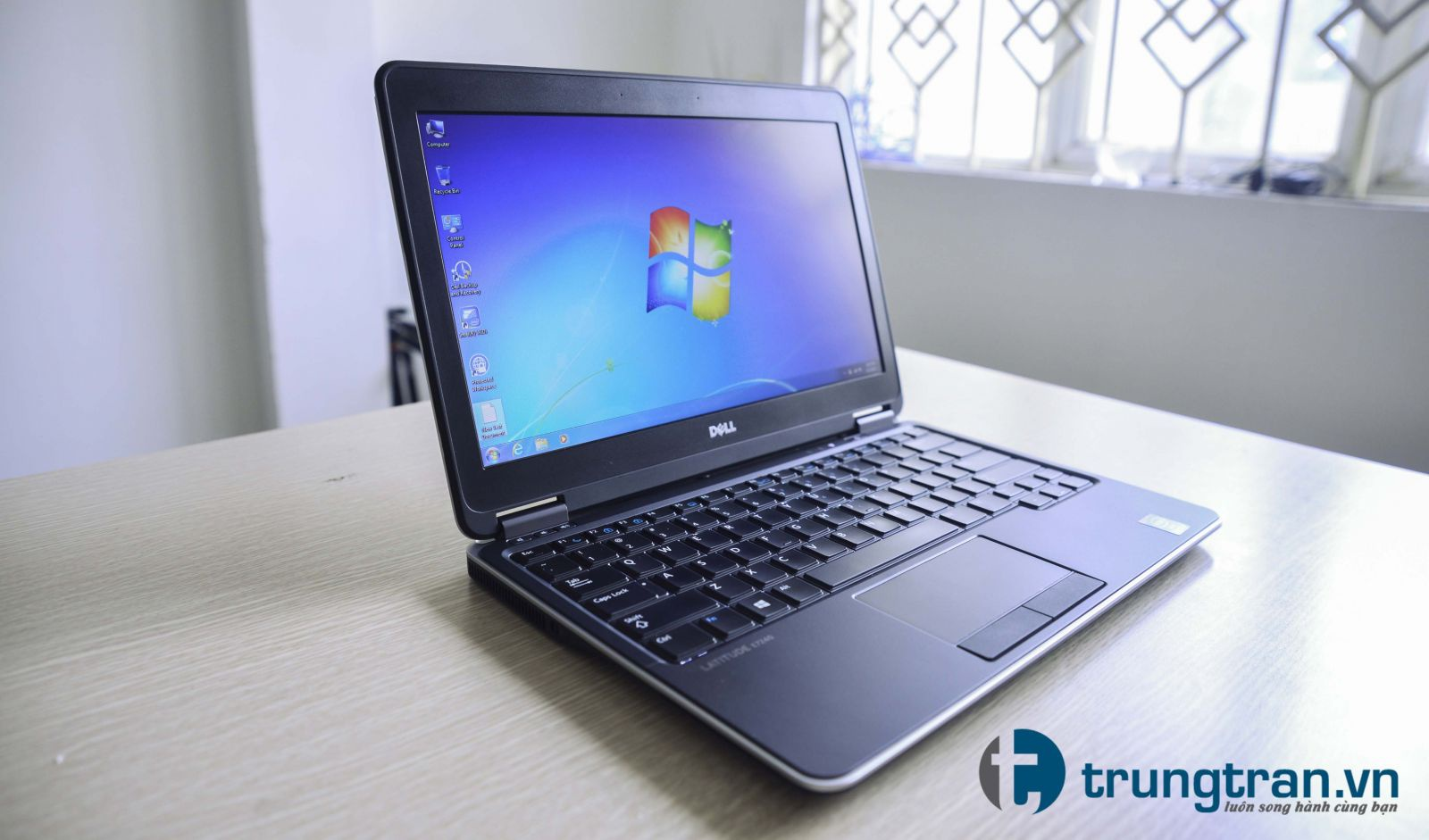 Laptop Dell Latitude E7240 i5 4300 4G SSD128G 12.5in MỎNG Nhẹ 2