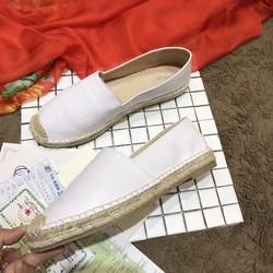 Giày slip-on mới