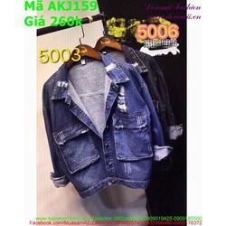 Áo khoác jean nữ kiểu túi và rách sành điệu thời trang AKJ159