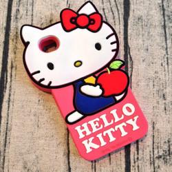 Ốp lưng Iphone 5 5s hình hello kitty. ôm táo