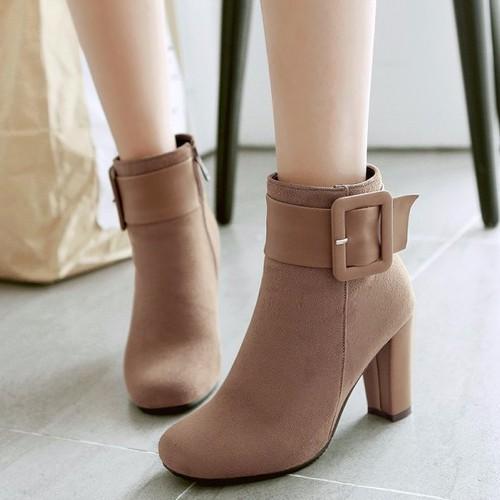 Giày boot da lộn nữ cổ cao đế gót vuông nhọn 8cm giày bốt nữ màu đen kiểu khóa kéo tiện dụng giày boot mùa đông lót vải ấm chân cổ cao giày boot nữ ul - 19378984 , 23935797 , 15_23935797 , 359000 , Giay-boot-da-lon-nu-co-cao-de-got-vuong-nhon-8cm-giay-bot-nu-mau-den-kieu-khoa-keo-tien-dung-giay-boot-mua-dong-lot-vai-am-chan-co-cao-giay-boot-nu-ul-15_23935797 , sendo.vn , Giày boot da lộn nữ cổ cao đế