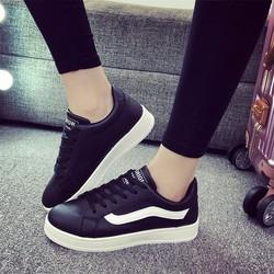 Giày thể thao đế thấp
