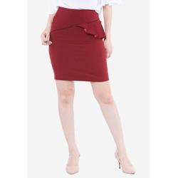Chân váy màu đỏ đô