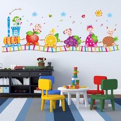 Decal dán tường đoàn tàu hoa quả và động vật đáng yêu cho bé
