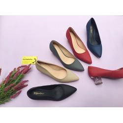 Giày cao gót bít mũi gót vuông 5cm trong suốt