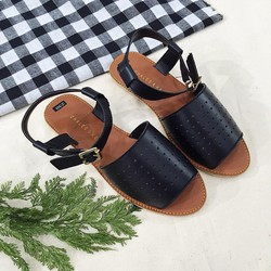 giày sandal quai ngang đục lỗ