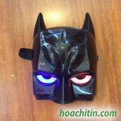 Mặt nạ Batman có đèn nửa mặt