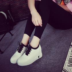 Giày sneaker nữ tăng chiều cao