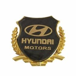 Logo ô tô nổi in biểu tượng hãng xe Hyundai