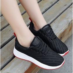 Giày thể thao chữ S