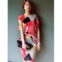 Đầm nữ thiết kế đẹp mắt phong cách sang trọng.