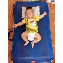 Giường lưới tiện ích cho bé khung innox  - hàng việt Nam