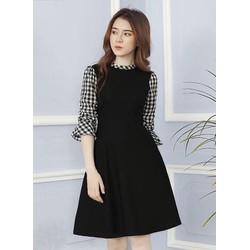 Đầm đen phối tay caro